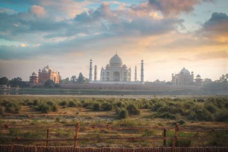 mughal empire: Taj Mahal . white marble mausoleum on the south bank of the Yamuna river in the Indian city of Agra, Uttar Pradesh.