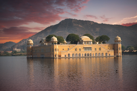 sagar: Jaipur. Water Palace in the middle of the lake