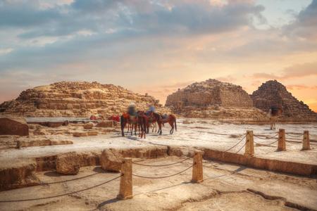 Bild der großen Pyramiden von Gizeh in Ägypten.