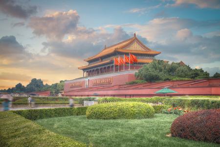 天安門広場は中華人民共和国の首都、北京の中心にあります。