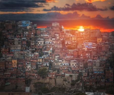 리우데 자네이루의 중심에있는 Favelas. 브라질.