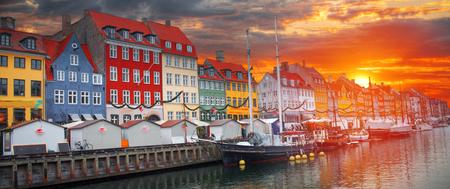 Nyhavn is the old harbor of Copenhagen. Denmark Archivio Fotografico