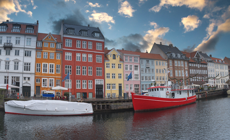 Nyhavn is the old harbor of Copenhagen. Denmark Imagens