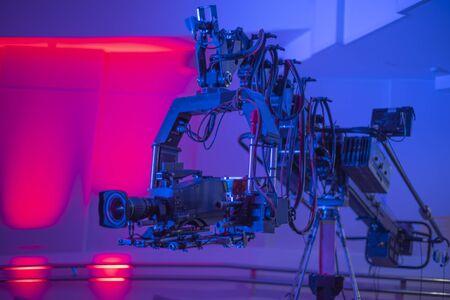 television crane. Shooting a TV show on the street. Banco de Imagens - 138289985