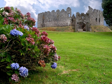 Restormell castle  Beautiful medieval castle in Cornwall  Great Britain