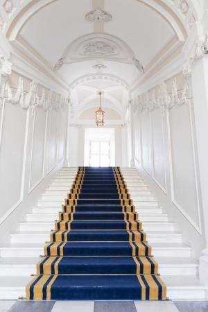 Cage d'escalier dans le palais polonais château royal de Varsovie sur la Liste du patrimoine mondial Banque d'images - 22597436