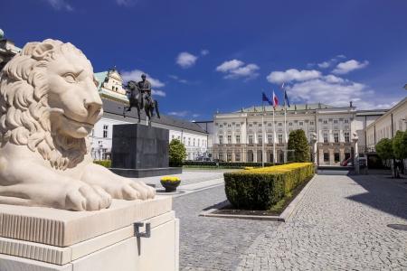 Klassieke paleis in Warschau - residentie van de president van Polen Redactioneel