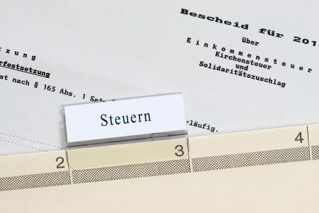 Steuerbescheide - Archiv Standard-Bild - 14484031