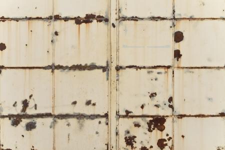 Rusting Iron Gate Standard-Bild - 20408538