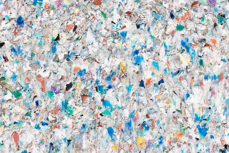 Planche faite de granulés de déchets plastiques conglomérés Banque d'images