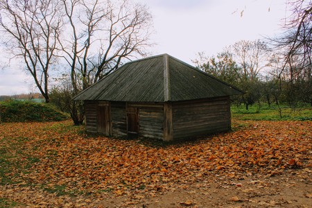 Wooden hut in the estate of Count Leo Tolstoy in Yasnaya Polyana.