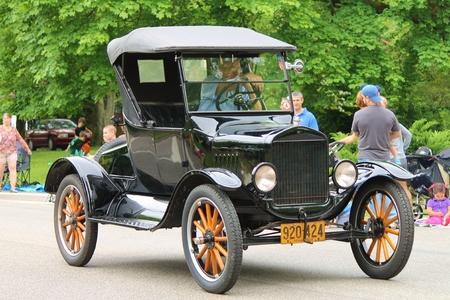 transportaion: Antique Car