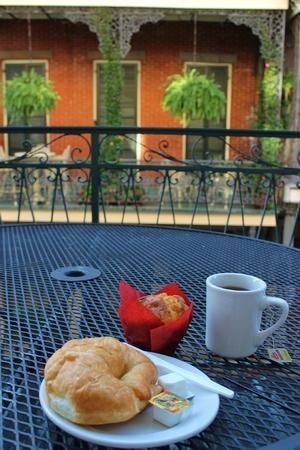 Breakfast on the balcony Фото со стока