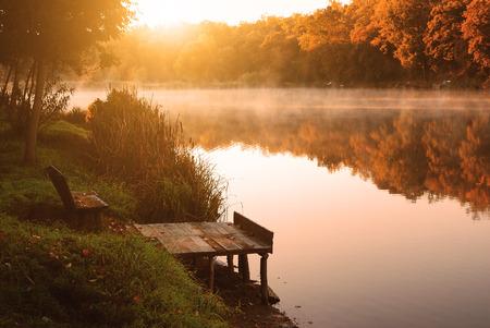 秋の湖 写真素材