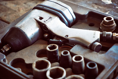 impact wrench: Air wrench