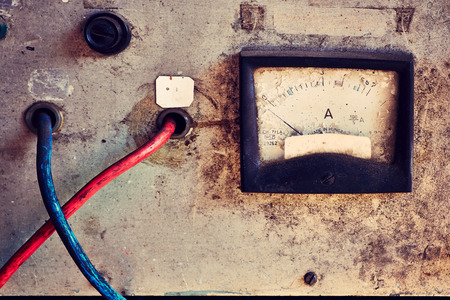 contador electrico: Metro el�ctrico viejo Foto de archivo