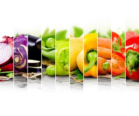 arco iris: mezcla de verduras de colores con espacio en blanco para el texto