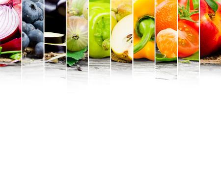 white  background: Foto de frutas y mezcla de verduras con colores del arco iris y espacio en blanco