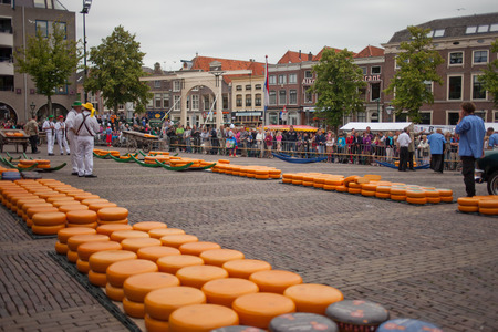 Alkmaar open cheese market with people Banco de Imagens - 25655611