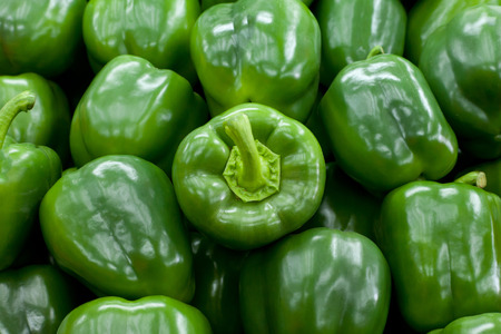 bell peppers: Fresh green bell peppers