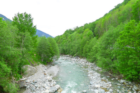 aquifer: River rhine stream