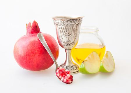 Rosh Hashanà Kiddush tazza di miele melograno e mela a fette Archivio Fotografico - 30985913