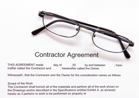 independent contractor: Contractor agreement with glasses