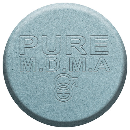 éxtasis: Azul éxtasis píldora aislado en blanco