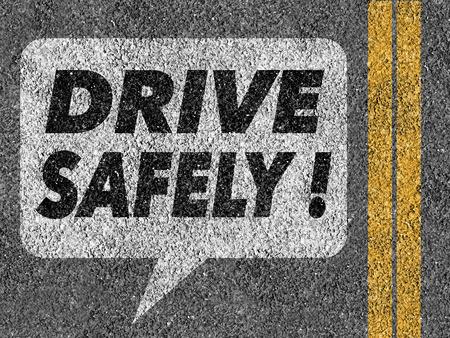 se�ales de seguridad: Camino con bocadillo y Drive segura texto Foto de archivo