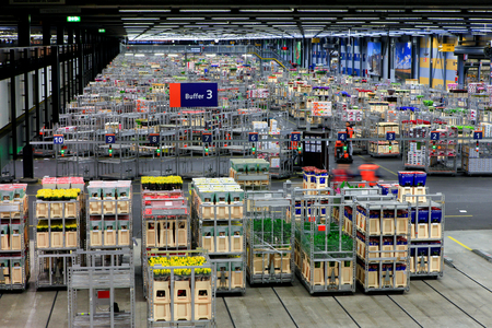 Auction floor at Aalsmeer floraholland largest flower auction the the world Banco de Imagens - 56848214