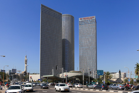 azrieli center: Tel Avivs Hashalom central junction with traffic and the 3 Azrieli buildings, a known landmark in central Tel Aviv