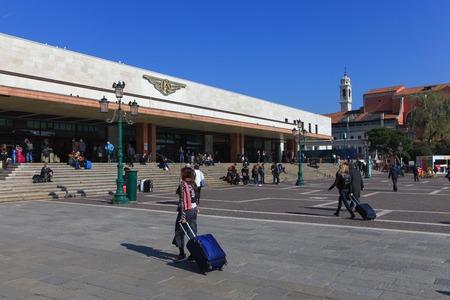 lucia: Venice Santa Lucia railway station building