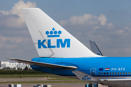 boeing 747: KLM Boeing 747 parked at Amsterdams Schiphol airport, KLMs home airport. Editoriali
