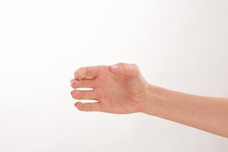 botellas vacias: Close-up de la mano de la mujer como si est� celebrando una botella. Es buena idea para la publicidad de cualquier bebida de moda y popular.