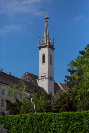 Chapel in the central square of city. Albertina Gallery. April, 2013. Vienna, Austria. 免版税图像 - 150299452