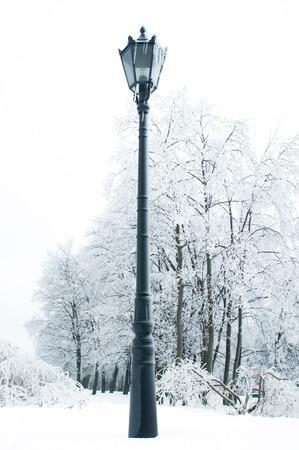 Straßenlaterne im Winter