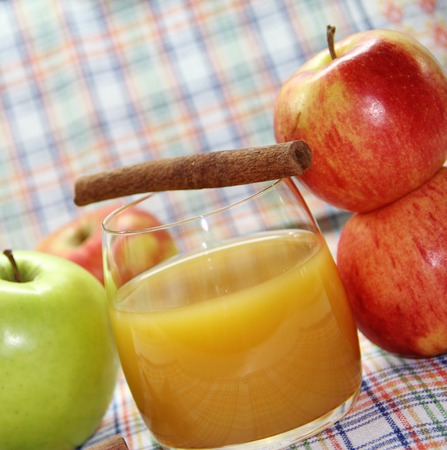 vitamines: Apple juice and fresh apples Stock Photo