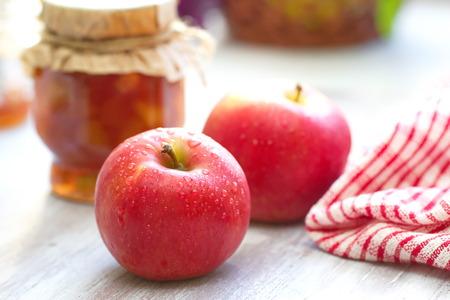 Fresh apples and apple jam Standard-Bild