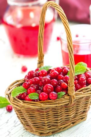cranberry juice: Fresh cranberry and cranberry juice