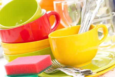 gamme de produit: Vaisselle dans la cuisine. Laver et nettoyer.