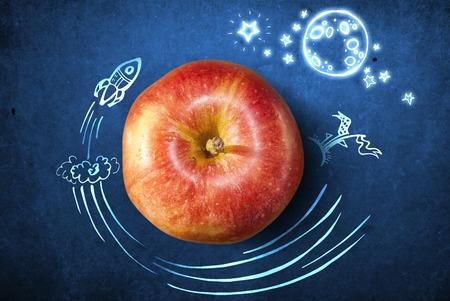 manzana caricatura: Concepto con manzana y garabatos en el fondo del grunge Foto de archivo