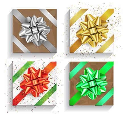 Set of brown gift boxes with big bows and ribbons isolated on white background. Christmas and Birthday package, selebration realistic gift box, top view, gold, silver, red and green colors Stockfoto