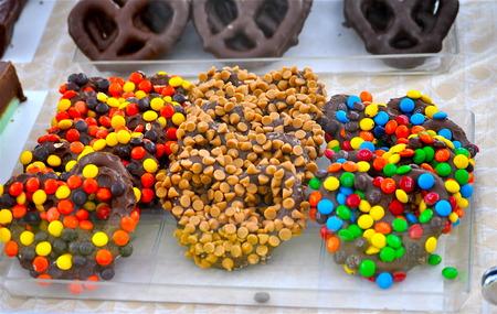 Chocolate covered pretzels Reklamní fotografie