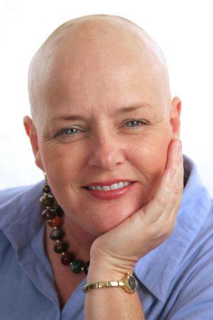 Een portret van een mooie kanker overlevingspensioen met een positieve houding. Stockfoto