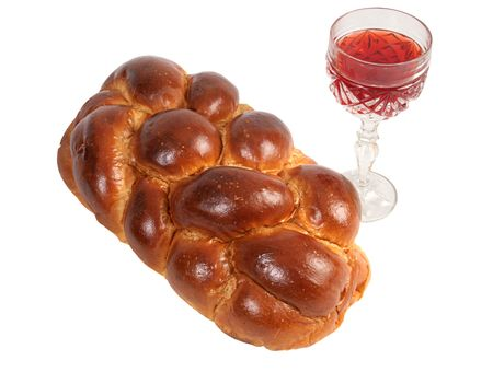 kosher: Challah bread and wine for Shabbat, isolated.