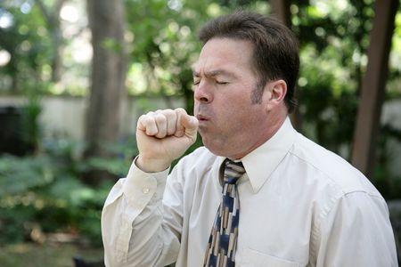 öksürük: A middle aged man with a severe cough. Stok Fotoğraf