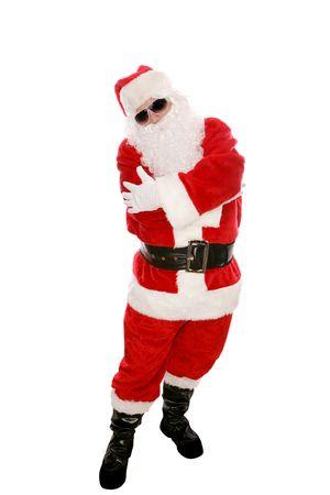 baile hip hop: Pap� Noel moderno que se presenta en gafas de sol y que hace un movimiento de la danza del salto de la cadera. Cuerpo completo aislado en blanco.