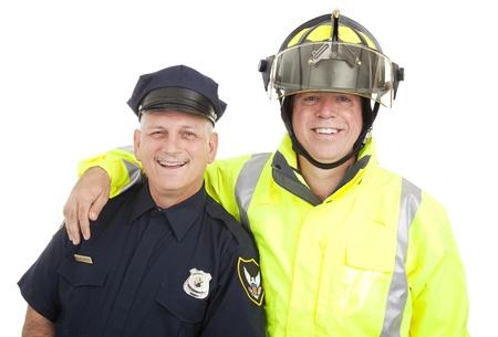 policier: Policier et pompier isol� sur fond blanc.