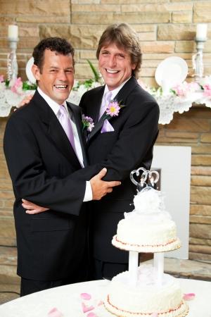 boda gay: Dos novios, feliz hermoso disfrutando de su recepción de la boda Foto de archivo