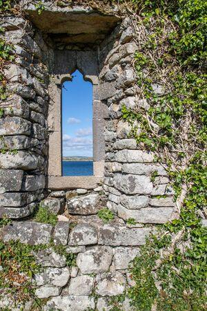 Windows details of a Church ruins in Carraroe, Conemara, Galway, Ireland Banco de Imagens